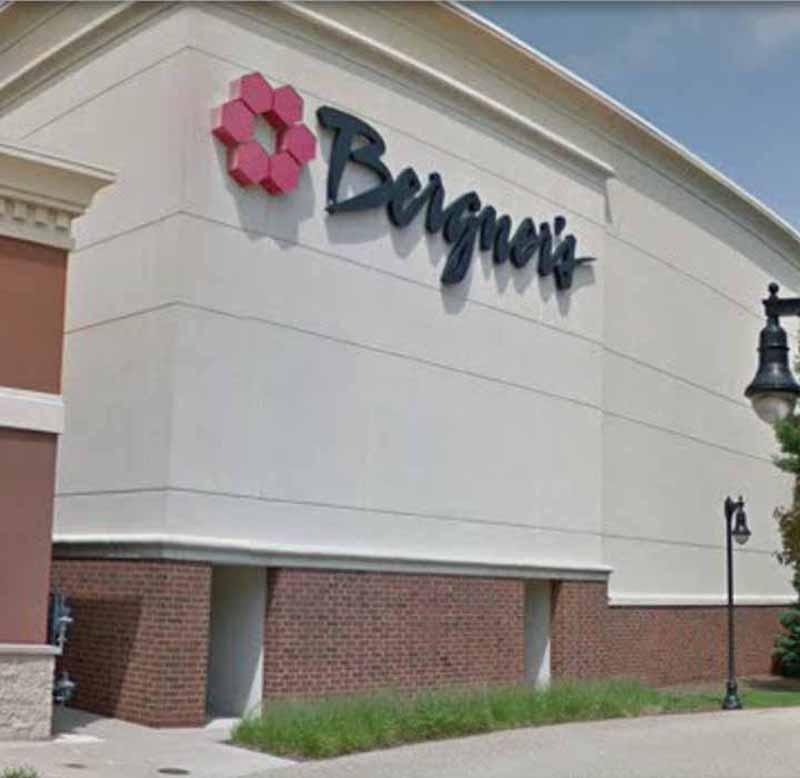 Cần sang Gấp tiệm nails nằm trong Mall location, In Peoria, IL Khu Mỹ Trắng