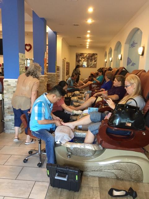 Cần Thợ Nails Làm SNS Bột Chân Tay Nước Bao Lương $4k-4.5k/Mo In Texas