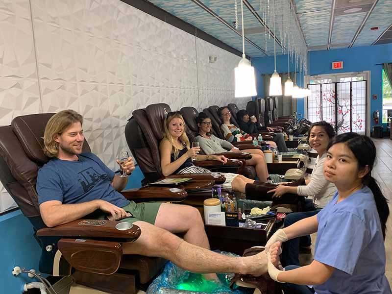 Cần Sang Tiệm Nail In Sarasota FL