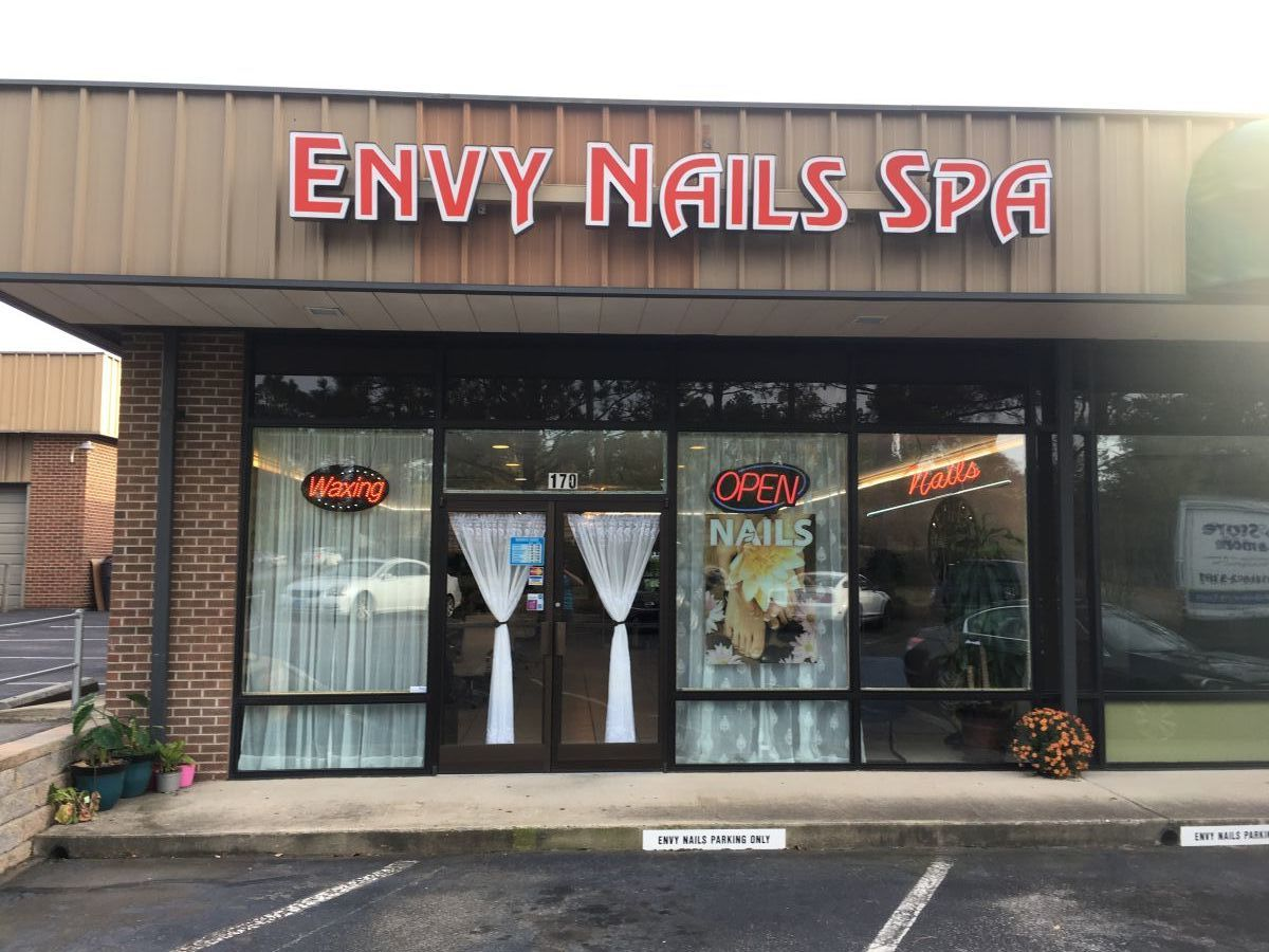 Cần Sang Gấp Tiệm Nails Mới Remodel In Southern Pines NC
