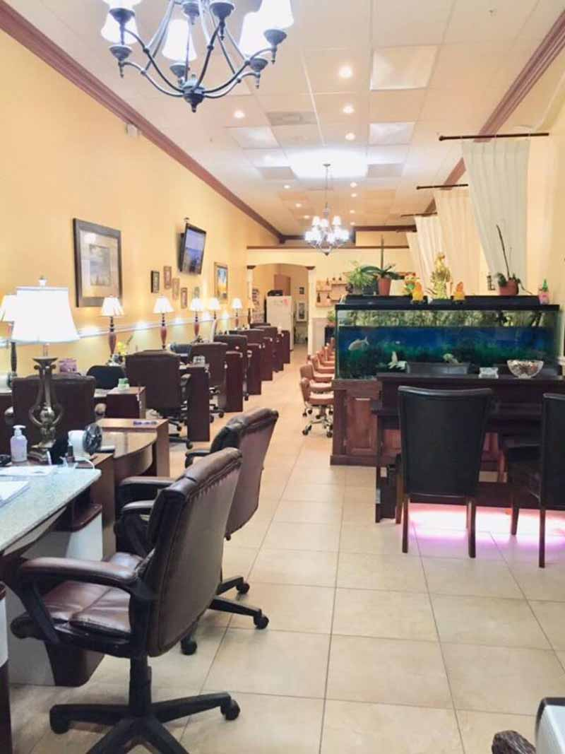Cần Bán Tiệm Nail Income Ổn Định Good Location In Estero Florida