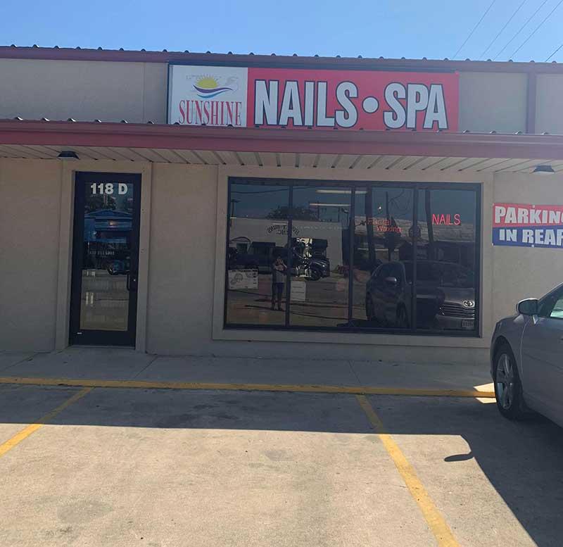 Cần Sang Gấp Tiệm Nail Vì Không Có Người Trông Coi Vùng Luling Texas