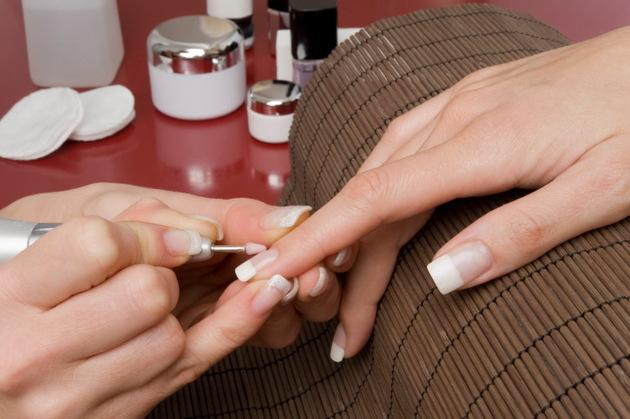 Nghề Nails Và Những Nguy Hại Tiềm Ẩn Ảnh Hưởng Sức Khỏe